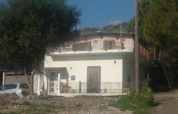 Casa singola con area edificabile