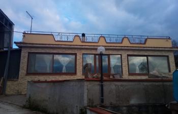 Villa a prospetto di strada